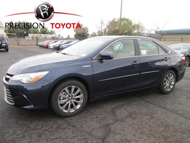 New Toyota Camry Hybrid XLE